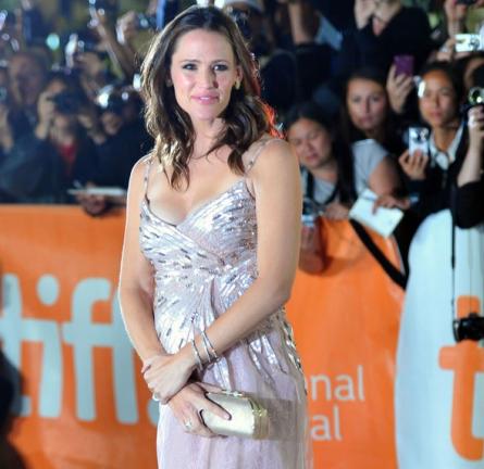 Jennifer Garner in Valentino | 2011 TIFF Premiere - 'Butter'