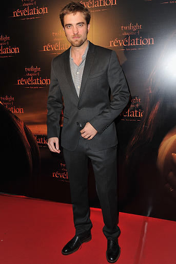 Robert Pattinson in Dolce & Gabbana | 'Breaking Dawn: Part 1' Paris Fan Event