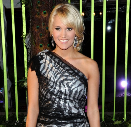 Carrie Underwood in Roberto de Villacis   59th Annual BMI Country Awards
