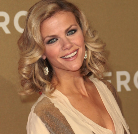 Brooklyn Decker in Christian Dior | 2011 CNN Heroes: An All-Star Tribute