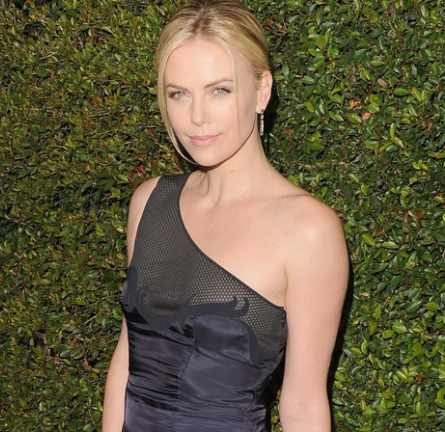 Charlize Theron in Stella McCartney | 'Young Adult' LA Premiere