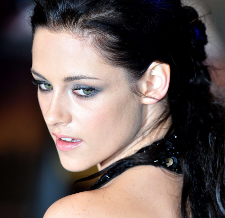 From Tip to Toe: How to Get Kristen Stewart's 'Breaking Dawn' UK Premiere Beauty Look -- Straight from Her Make-Up Artist!
