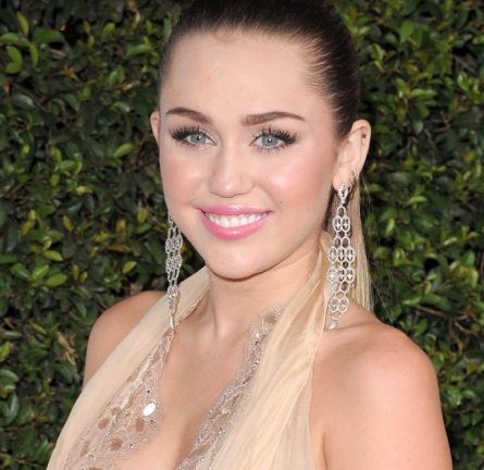 Miley Cyrus in Jenny Packham | 2011 American Giving Awards