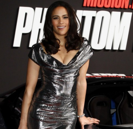 Paula Patton in Vivienne Westwood Red Label | 'Mission: Impossible - Ghost Protocol' Munich Premiere