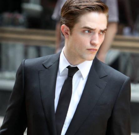 "Robert Pattinson Rocks GUCCI Throughout ""Cosmopolis""!"
