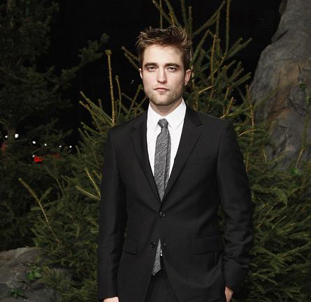 Robert Pattinson in Seize sur Vingt   'The Twilight Saga: Breaking Dawn - Part 1' Berlin Premiere