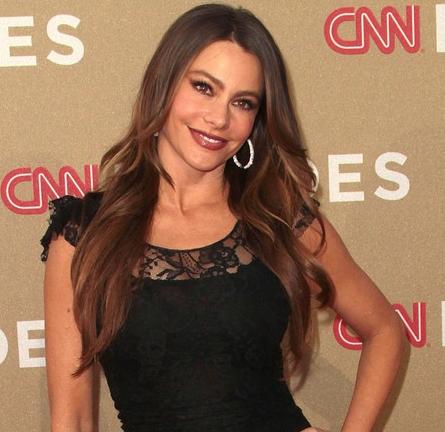 Sofia Vergara in Dolce & Gabbana | 2011 CNN Heroes: An All-Star Tribute