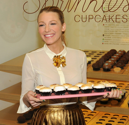 Blake Lively in Gucci | Cupcake Unveiling at Sprinkles NYC