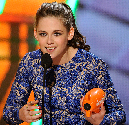 From Tip-to-Toe: Kristen Stewart's CHANEL Nails for Nickelodeon's KCA 2012!