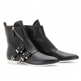 Balenciaga Fall 2011 Poulaine Low Boots