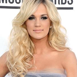 Carrie Underwood in Oscar de la Renta | 2012 Billboard Music Awards