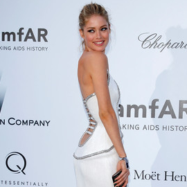 Doutzen Kroes in Versace | amfAR's Cinema Against AIDS 2012
