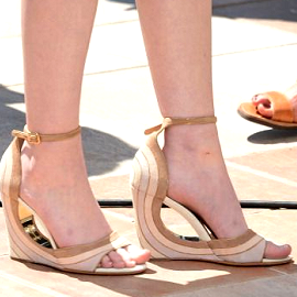 Kara Hayward in Salvatore Ferragamo | 2012 Cannes Film Festival - 'Moonrise Kingdom' Photocall