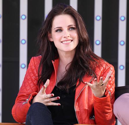 Kristen Stewart in Balenciaga & Joe's Jeans | 2012 MTV Movie Awards - Sneek Peak Week: 'Snow White and the Huntsman'