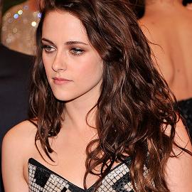 Kristen Stewart in Balenciaga | 2012 MET Gala