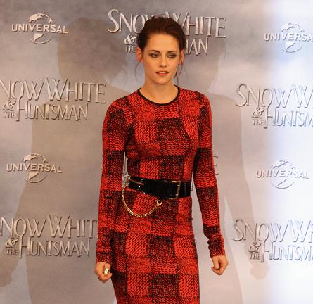 Kristen Stewart in 10 Crosby by Derek Lam | 'Snow White and the Huntsman' Berlin Fan Event