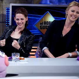 Kristen Stewart in Joe's Jeans & Balenciaga | 'El Hormiguero'