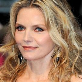 Michelle Pfeiffer in Lanvin | 'Dark Shadows' London Premiere