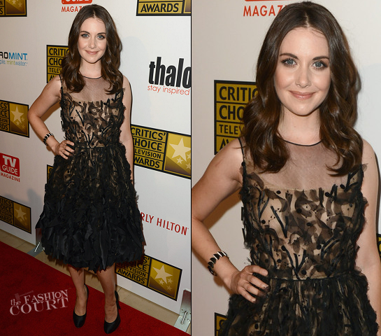Alison Brie in Oscar de la Renta | 2012 Critics' Choice Television Awards