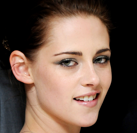 Get The SWATH Look: Kristen Stewart's Shimmering Spin on the Smoky Eye!
