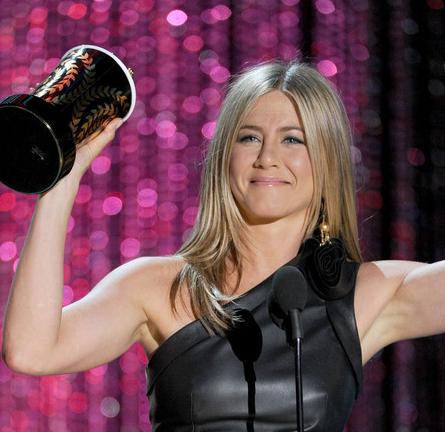 Jennifer Aniston in Valentino | 2012 MTV Movie Awards