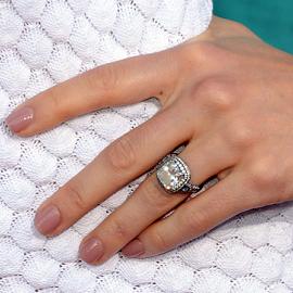 Jessica Biel in Chanel   2012 MTV Movie Awards