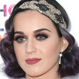 Katy Perry in Vintage Nolan Miller | City of Hope's Music & Entertainment Industry Group Honors Bob Pittman