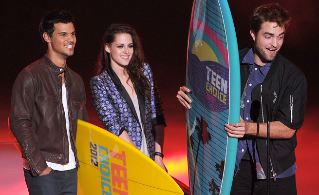 Kristen Stewart in Roberto Cavalli | 2012 Teen Choice Awards