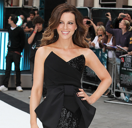 Kate Beckinsale in Donna Karan | 'Total Recall' London Premiere