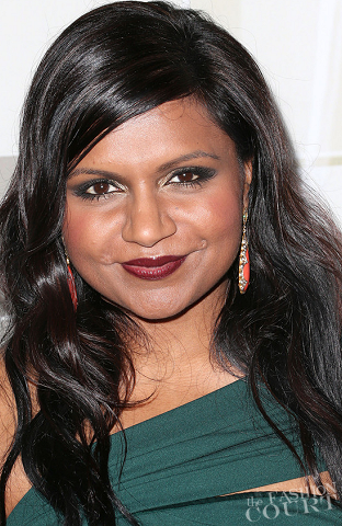 Emmy Beauty: Mindy Kaling Channels a Glamorous Vintage Cover Girl Look!