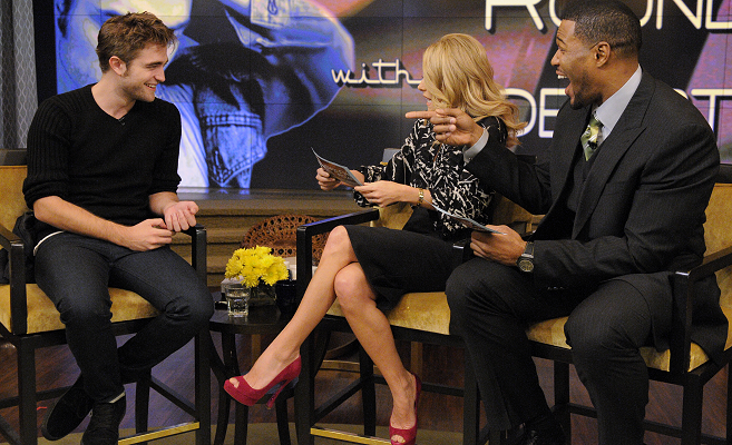 Robert Pattinson em Burberry | 'Live!  com Kelly e Michael '