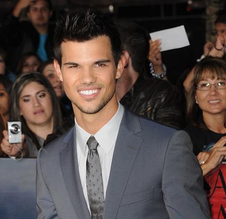 Taylor Lautner in Z Zegna   'The Twilight Saga: Breaking Dawn - Part 2' LA Premiere