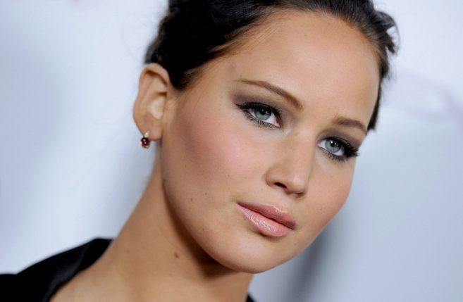 Jennifer Lawrence's Khaki Smoky Eyes at the 'Silver Linings Playbook' Screening!