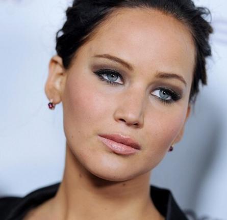 Jennifer Lawrence's Khaki Smoky Eyes at the 'Silver Linings Playbook' Screening!