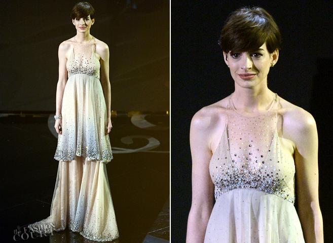 Anne Hathaway in Giorgio Armani | 2013 Oscars
