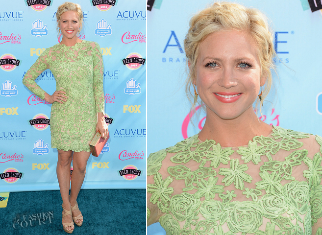 Brittany Snow in Oliver Tolentino | 2013 Teen Choice Awards