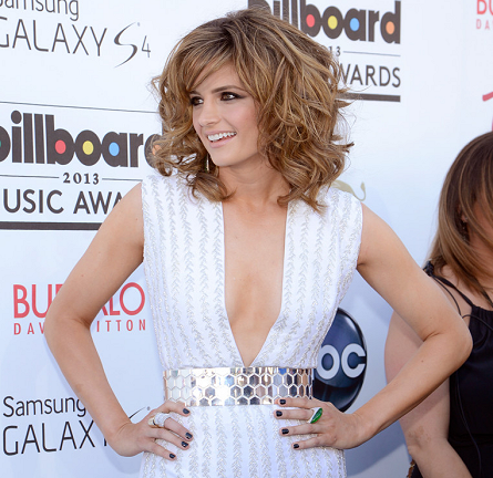 Get The Look: Stana Katic - Billboard Music Awards 2013