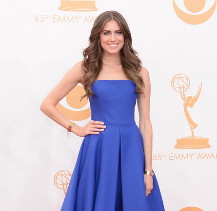Allison Williams in Ralph Lauren | 2013 Emmys