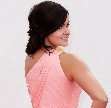 Ariel Winter in Lorena Sarbu | 2013 Emmys