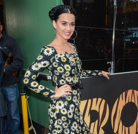 Katy Perry in Moschino Cheap & Chic | 'Good Morning America'