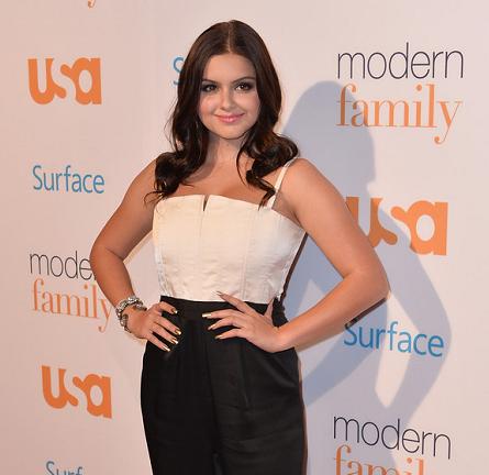 Ariel Winter in Alice + Olivia | USA Network's 'Modern Family' Fan Appreciation Day