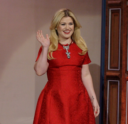 Kelly Clarkson in Dolce & Gabbana   'The Tonight Show with Jay Leno'