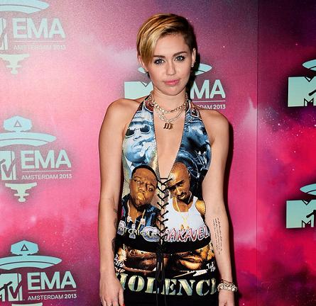 Miley Cyrus in Vintage | MTV EMA's 2013