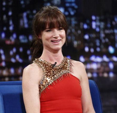 Juliette Lewis in Julien Macdonald | 'Late Night with Jimmy Fallon'