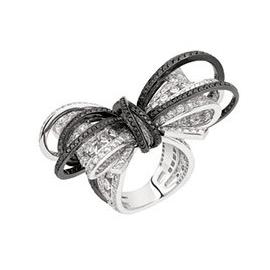Chanel Fine Jewelry 1932 Bow Diamond Ring