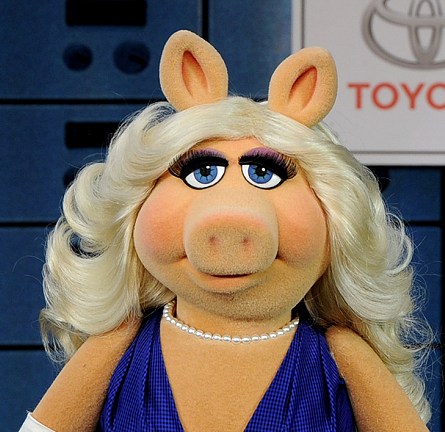 Miss Piggy in Vivienne Westwood Couture | 'Muppets Most Wanted' Hollywood Premiere