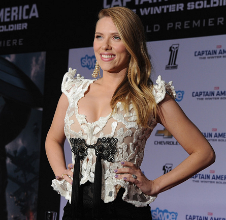 Scarlett Johansson in Armani Privé | 'Captain America: The Winter Soldier' Hollywood Premiere