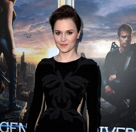 Veronica Roth in Maria Lucia Hohan | 'Divergent' LA Premiere