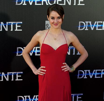 Shailene Woodley in Donna Karan Atelier | 'Divergent' Madrid Premiere