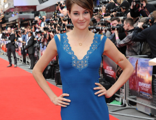 Shailene Woodley in Stella McCartney | 'Divergent' London Premiere